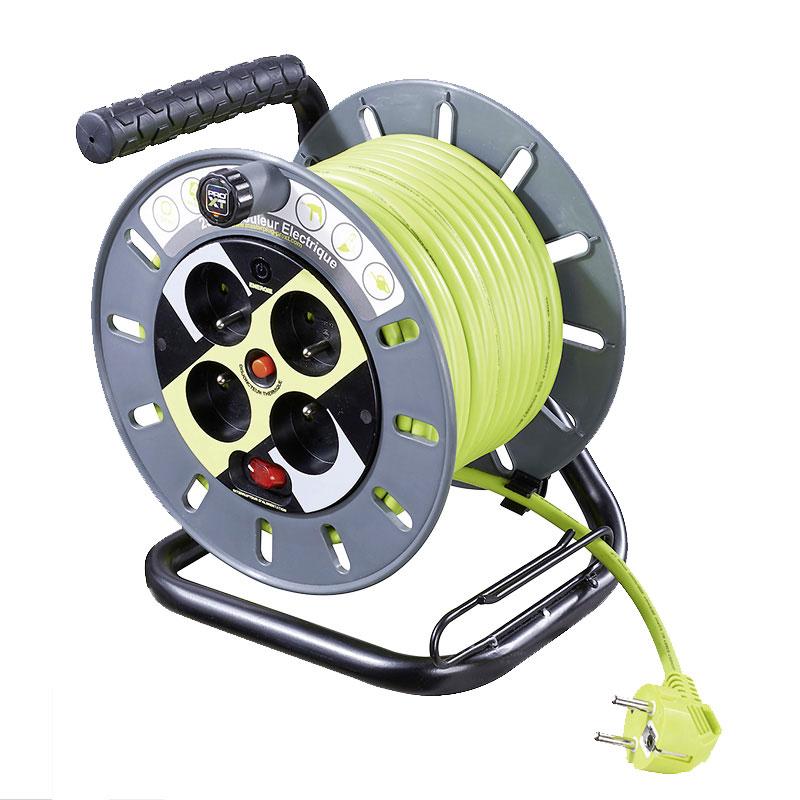 Enrouleur lectrique professionnel 4 prises c ble - Enrouleur cable electrique ...