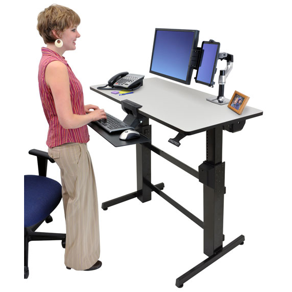 Ergotron workfit d bureau assis debout meuble ordinateur for Bureau 4 postes de travail
