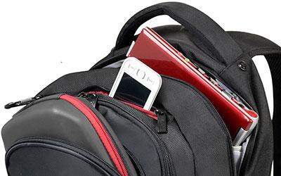 2a15218fa8 En plus de sa conception robuste en nylon, le sac à dos PORT Designs  Courchevel est fourni avec une couverture anti-pluie, pour mettre à l'abri  votre ...