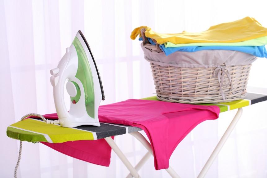 guide choisir entre fer repasser ou centrale vapeur sur. Black Bedroom Furniture Sets. Home Design Ideas