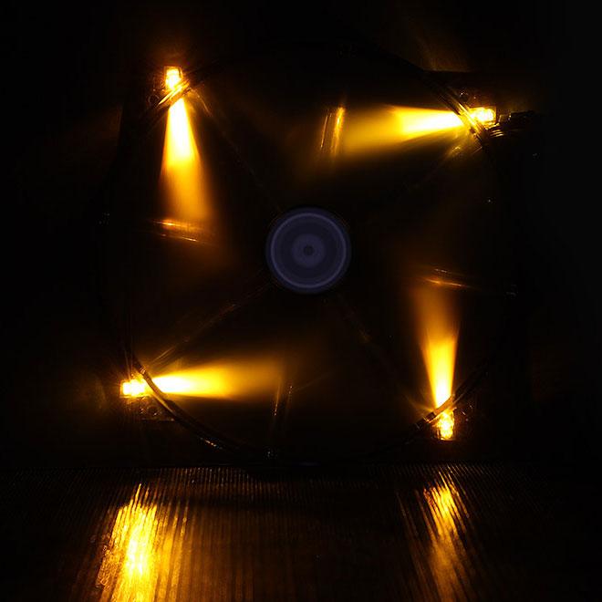 Ventilateur boîtier BitFenix Spectre LED Orange 200 mm BitFenix Spectre LED 200 mm Orange - Ventilateur LED 200 mm