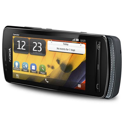 """Mobile & smartphone Nokia 700 Noir Smartphone 3G+ avec écran tactile AMOLED 3.2"""""""