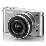 Nikon 1 J1 Argent + Objectif 1 NIKKOR VR 10-30 mm f/3.5-5.6