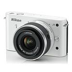 Nikon 1 J1 Blanc + Objectif 1 NIKKOR VR 10-30 mm f/3.5-5.6