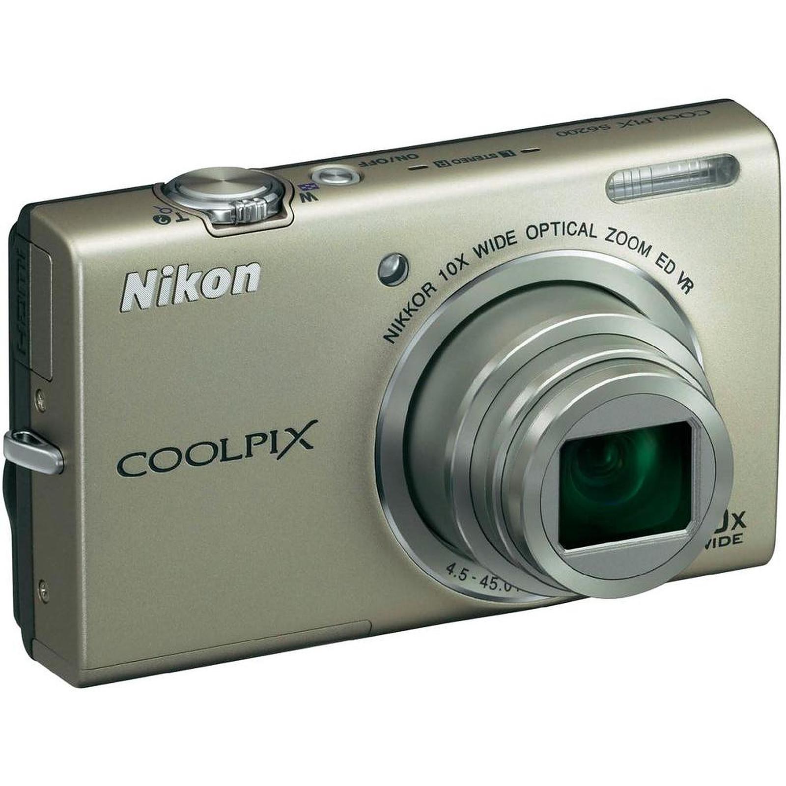 Nikon Coolpix S6200 Argent + Carte SD 8 Go