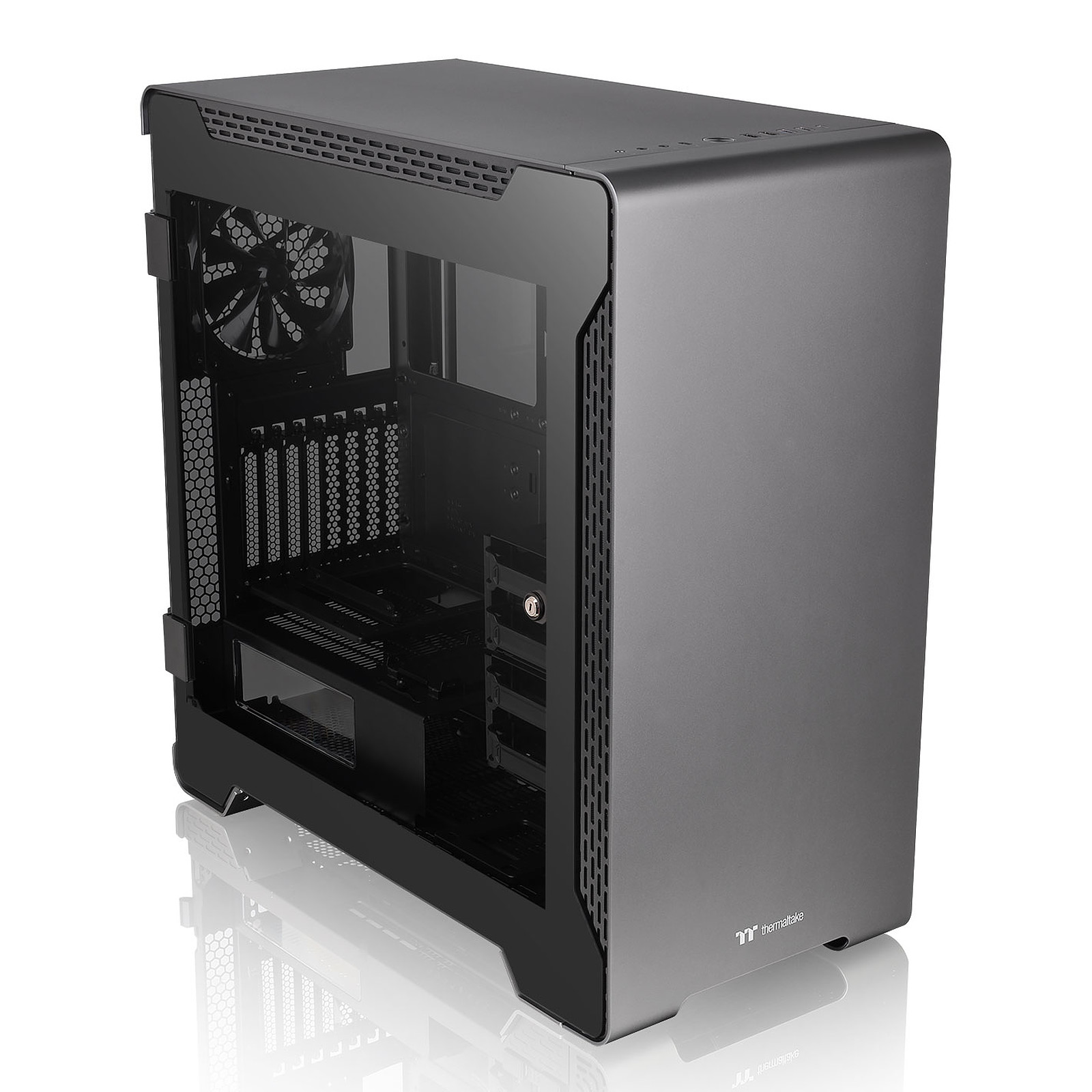 Thermaltake A700 Aluminum Tempered Glass Edition
