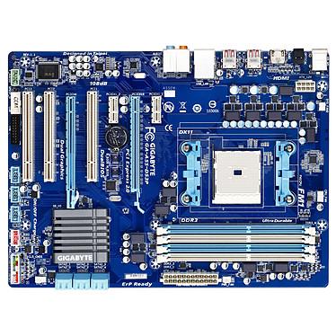 Gigabyte GA-A55-DS3P Carte mère ATX Socket FM1 AMD A55 (Hudson D2) - SATA 3Gb/s - USB 2.0 - 2x PCI Express 2.0