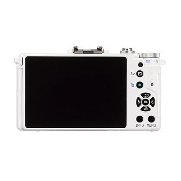 Pentax Q Blanc + Objectif 8.5mm f/1.9 AL pas cher