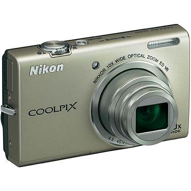 Nikon Coolpix S6200 Argent + Carte SD 8 Go Appareil photo 16 MP - Zoom grand-angle 10x - Vidéo HD
