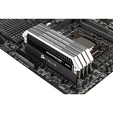 Corsair Dominator Platinum 16 Go (4x 4 Go) DDR4 3000 MHz CL14 pas cher