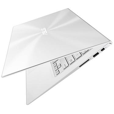 Avis ASUS ZenBook UX301LA-C4082P Blanc