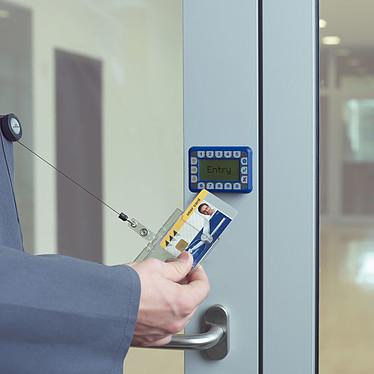 DURABLE Boîte de 10 porte-badges de sécurité avec enrouleur pour 1 carte pas cher