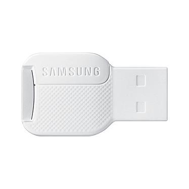 Samsung EVO microSDXC 64 Go + adaptateur USB pas cher