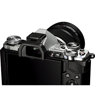 Avis Olympus E-M5 MK II Argent + M.ZUIKO DIGITAL ED 12-50mm