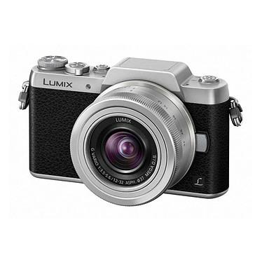 Panasonic DMC-GF7 + 12-32 mm Noir/Argent · Occasion Appareil photo 16 MP - Zoom numérique x4 - Vidéo Full HD - Wi-Fi intégré - Ecran inclinable à 180° - Article utilisé, garantie 6 mois