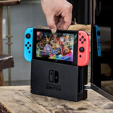 Nintendo Switch + Joy-Con droit et gauche (gris) pas cher