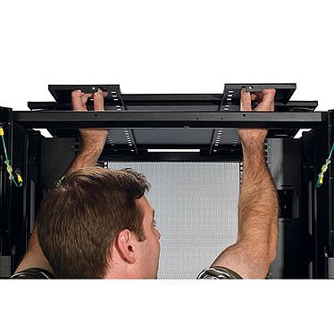 Avis APC Armoire NetShelter SX 42U Deep Enclosure