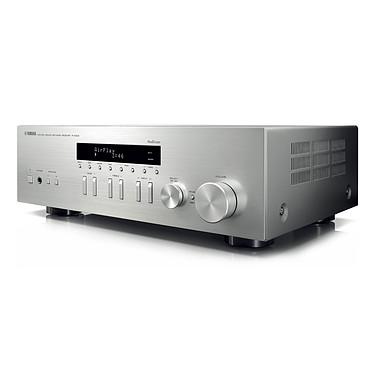 Avis Yamaha MusicCast R-N303 Argent + Focal Chorus 615 Black Style