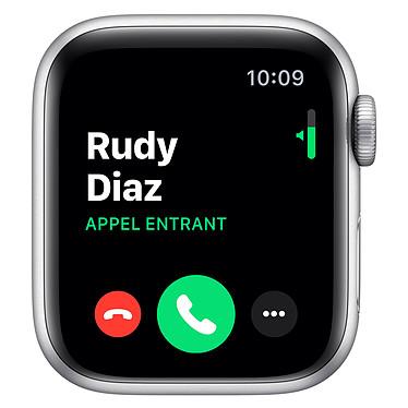 Avis Apple Watch Series 5 Nike GPS Aluminium Argent Bracelet Sport Platine Pur/Noir 40 mm
