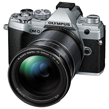 "Olympus E-M5 Mark III Argent + 12-200 mm Noir Appareil photo hybride 20.4 MP Micro 4/3 - Écran tactile orientable 3"" - Viseur OLED - Vidéo C4K/4K UHD - Stabilisation 5 axes - Wi-Fi/Bluetooth - Tropicalisation + Objectif M. Zuiko Digital ED 12-200 mm f/3.5-6.3"