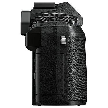 Avis Olympus E-M5 Mark III Noir + 14-42 mm Noir