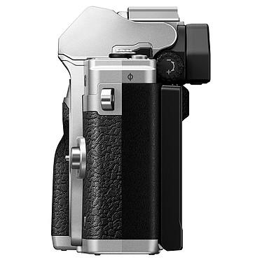Acheter Olympus E-M10 Mark IV Argent + 14-150 mm