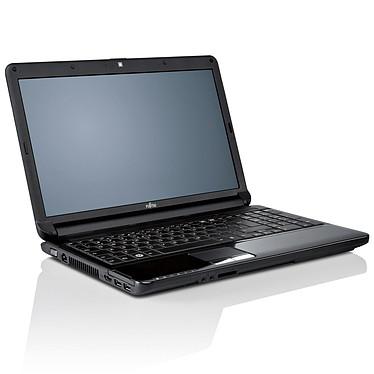 "Fujitsu LIFEBOOK AH530 Intel Pentium P6200 2 Go 500 Go 15.6"" LED Graveur DVD Wi-Fi N/Bluetooth Webcam Windows 7 Premium"
