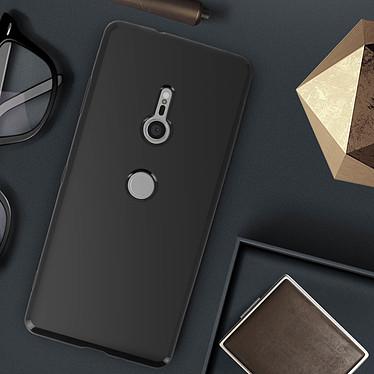 Avis Avizar Coque Noir Vernis pour Sony Xperia XZ3