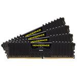 Kit Quad Channel 4 barrettes de RAM DDR4 PC4-30000 - CMK16GX4M4B3733C17 (garantie à vie par Corsair)